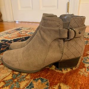 Tan booties perfect for the fall!